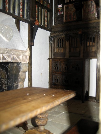 theinfill - a little atmosphere dolls house Medieval to Jacobean Great Hall