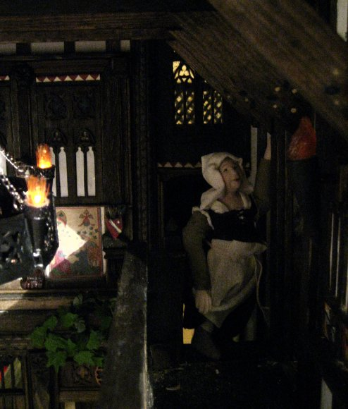 theinfill - Medieval, Tudor to Jacobean dolls house - dressing the figures