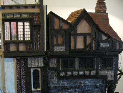 theinfill - Medieval, Tudor, Jacobean dolls house - closing the Great Hall