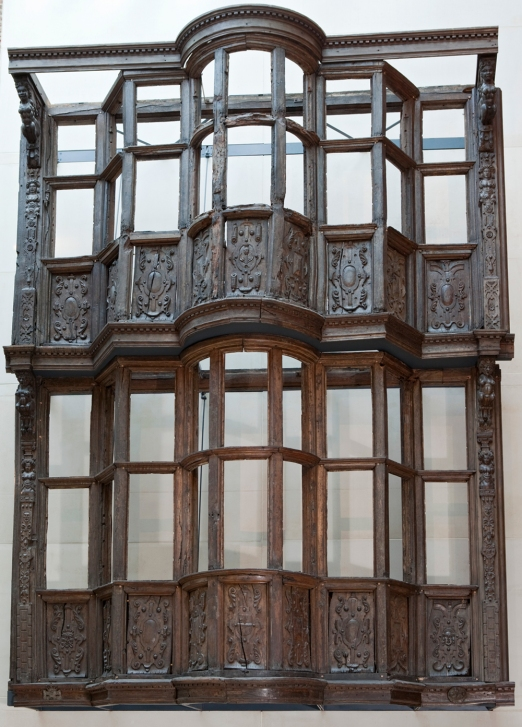 theinfill - Medieval, Tudor, Jacobean dolls house blog - Sir Paul Pindar's House facade at V&A