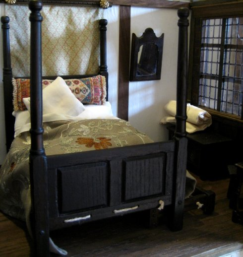 theinfill doll's house blog - Medieval/Tudor/Jacobean - the girls' bedroom