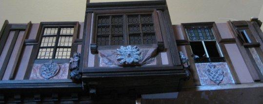 theinfill doll's house blog - Medieval/Tudor/Jacobean - Facade of  Elizabethan-Jacoben Long Gallery