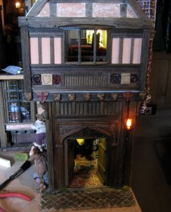 theinfill – the infill – Tudor, Elizabethan, Jacobean Dolls House Blog – Front Porch - lighting