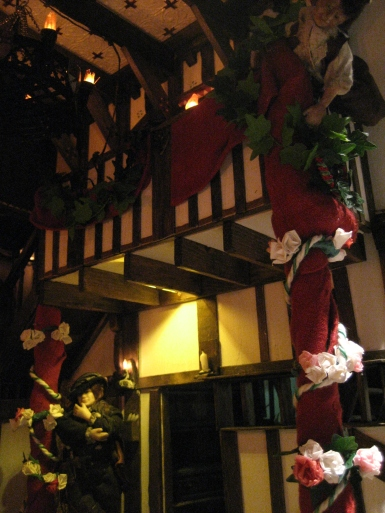 theinfill dolls house blog - the infill - Medieval, Tudor, Jacobean 1:12 dolls house - Great Hall lighting below the balcony