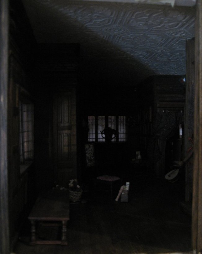 theinfill dolls house blog - the infill - Medieval, Tudor, Jacobean 1:12 dolls house - Long gallery - daylight only