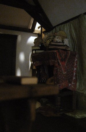 Strange lighting on wall - theinfill dolls house blog