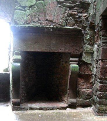theinfill Medieval, Tudor, Jacobean 1:12 dolls house blog - the infill dolls house blog – Caerlaverock Castle - 1600s build