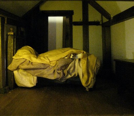 theinfill Medieval, Tudor, Jacobean 1:12 dolls house blog - the infill dolls house blog – attic centre room adding the bedding room view so far