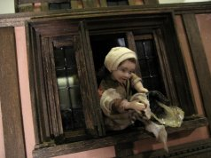 theinfill Medieval, Tudor, Jacobean 1:12 dolls house blog - the infill dolls house blog – the girl at the window - from outside the room 1