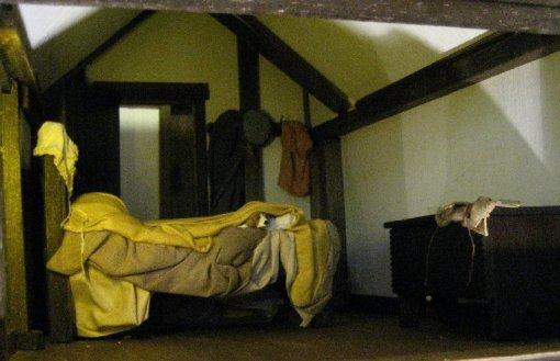 theinfill Medieval, Tudor, Jacobean 1:12 dolls house blog - the infill dolls house blog – boy's bedroom - review 1