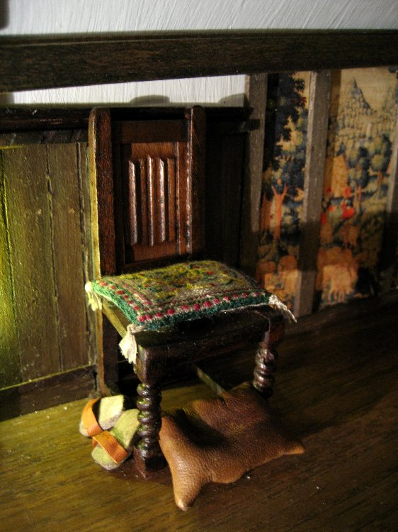 theinfill Medieval, Tudor, Jacobean 1:12 dolls house blog - the infill dolls house blog – with closed panel in Red Bed room