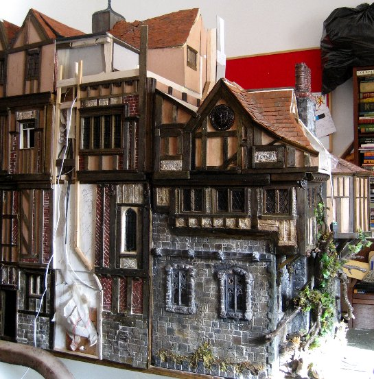 theinfill Medieval, Tudor, Jacobean 1:12 dolls house blog - the infill dolls house blog – right side which needs chimney 2