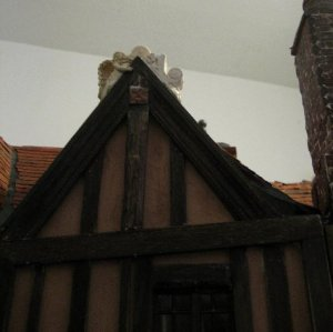 theinfill Medieval, Tudor, Jacobean dolls house blog - theinfill dolls house blog – Dolls House Emporium Angel Shelf Sitter - balancing off a singleton