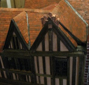 theinfill Medieval, Tudor, Jacobean dolls house blog - theinfill dolls house blog – Dolls House Emporium Angel Shelf Sitter and other side