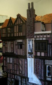 theinfill Medieval, Tudor, Jacobean dolls house blog - theinfill dolls house blog – Dolls House Emporium Angel Shelf Sitter and other side 2