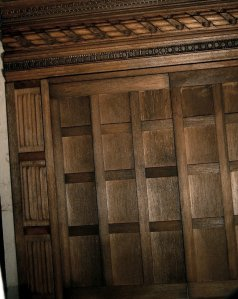 theinfill Medieval, Tudor, Jacobean dolls house blog - theinfill dolls house blog – long gallery multi layered woodwork