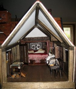theinfill Medieval, Tudor, Jacobean dolls house blog - theinfill dolls house blog – Red bedroom needing a fourth wall