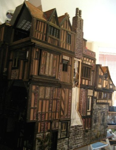theinfill Medieval, Tudor, Jacobean dolls house blog - Hogepotche Hall –Hodgepodge Hall – view down side missing chimney