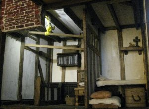 theinfill dolls house blog Hogepotche Hall –Hodgepodge Hall - a Medieval, Tudor, Jacobean dolls house blog - hidden battery light wiring problem 2