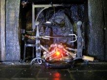 theinfill Medieval, Tudor, Jacobean dolls house blog - Hogepotche Hall –Hodgepodge Hall - main kitchen fire, items set up