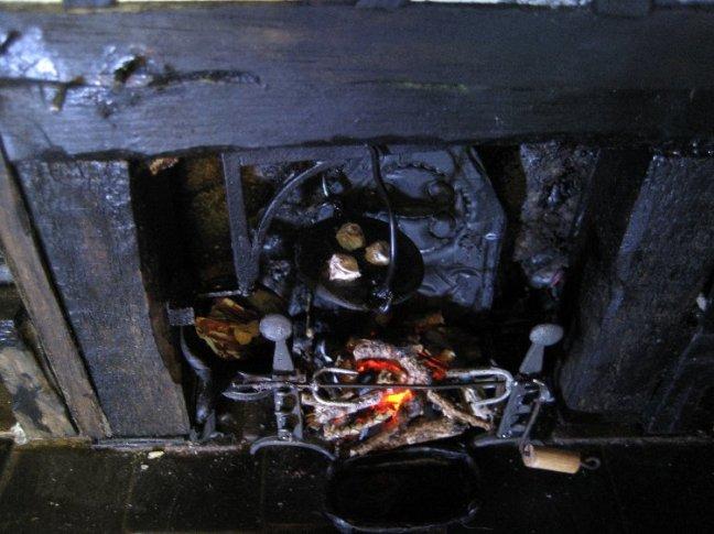 theinfill Medieval, Tudor, Jacobean dolls house blog - Hogepotche Hall –Hodgepodge Hall - main kitchen fire, items set up 2