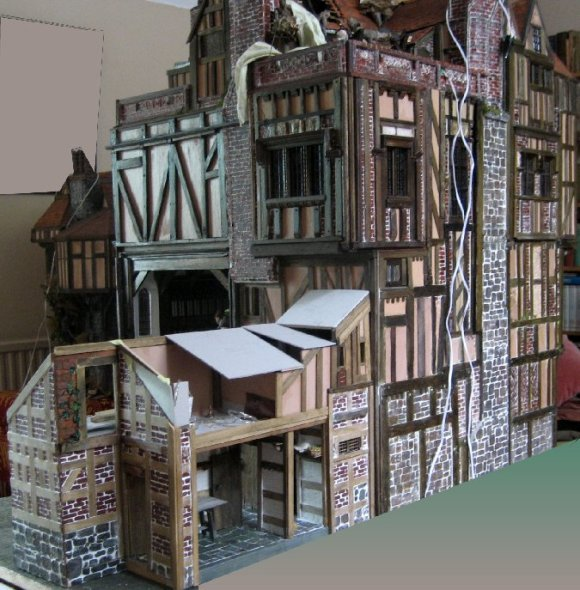 theinfill dolls house blog Hogepotche Hall –Hodgepodge Hall - a Medieval, Tudor, Jacobean dolls house blog - newer roof and older building