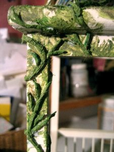 theinfill dolls house blog Hogepotche Hall –Hodgepodge Hall - a Medieval, Tudor, Jacobean dolls house blog - new projects - painted green string pieces as leaves and stems