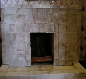 theinfill dolls house blog Hogepotche Hall –Hodgepodge Hall - a Medieval, Tudor, Jacobean dolls house blog - reshaping an Deco house - sitting room fireplace and over mirror