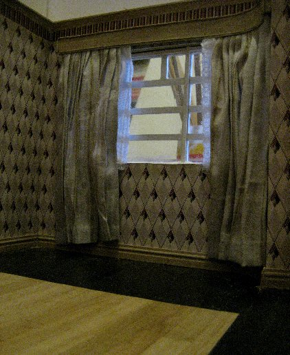 theinfill dolls house blog Hogepotche Hall –Hodgepodge Hall - a Medieval, Tudor, Jacobean dolls house blog - reshaping an Deco house - sitting room coving