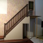 theinfill art deco dolls house blog, theinfill dolls house blog, theinfill 1930s-50s Deco House, Hogepotche Hall –Hodgepodge Hall - Medieval Tudor Jacobean dolls house blog - stairs and banister 1