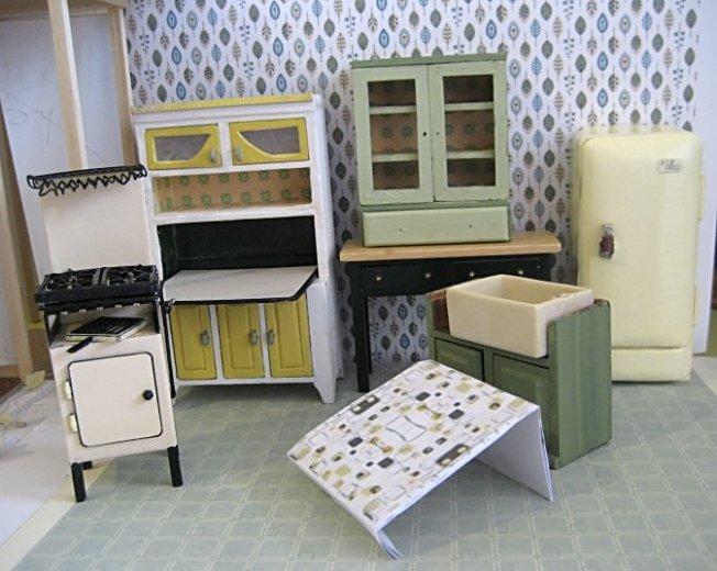 theinfill dolls house blog 1930s Deco House, Hogepotche Hall –Hodgepodge Hall - a Medieval, Tudor, Jacobean dolls house blog - kitchen possible colour scheme