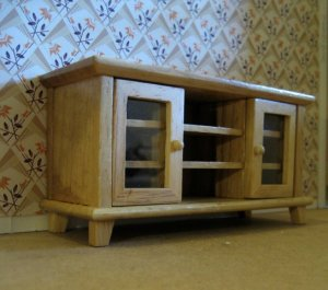 theinfill art deco dolls house blog, theinfill dolls house blog, theinfill 1930s-50s Deco House, Hogepotche Hall –Hodgepodge Hall - Medieval Tudor Jacobean dolls house blog - sideboards