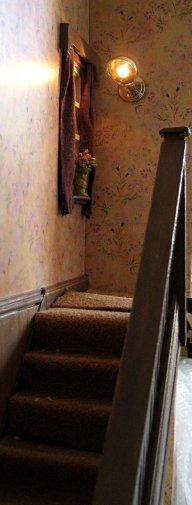 theinfill art deco dolls house blog, theinfill dolls house blog, theinfill 1930s-50s Deco House, Hogepotche Hall –Hodgepodge Hall - Medieval Tudor Jacobean dolls house blog - hallway and landing window - landing wall light