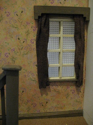 theinfill art deco dolls house blog, theinfill dolls house blog, theinfill 1930s-50s Deco House, Hogepotche Hall –Hodgepodge Hall - Medieval Tudor Jacobean dolls house blog - hallway and landing window - opaque glass effect