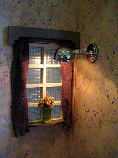 theinfill art deco dolls house blog, theinfill dolls house blog, theinfill 1930s-50s Deco House, Hogepotche Hall –Hodgepodge Hall - Medieval Tudor Jacobean dolls house blog - hallway and landing window - landing wall light
