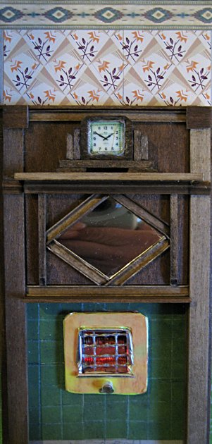 theinfill art deco dolls house blog, theinfill dolls house blog, theinfill 1930s-50s Deco House, Hogepotche Hall –Hodgepodge Hall - Medieval Tudor Jacobean dolls house blog - dining room chimney breast