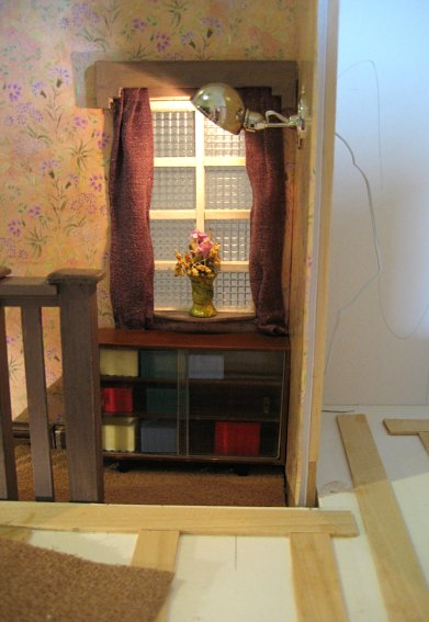 theinfill art deco dolls house blog, theinfill dolls house blog, theinfill 1930s-50s Deco House, Hogepotche Hall –Hodgepodge Hall - Medieval Tudor Jacobean dolls house blog - finishing edges - large stair landing