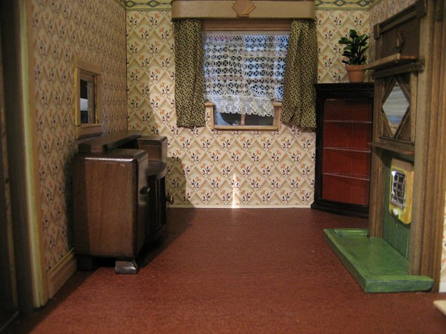 theinfill art deco dolls house blog, theinfill dolls house blog, theinfill 1930s-50s Deco House, Hogepotche Hall –Hodgepodge Hall - Medieval Tudor Jacobean dolls house blog - finishing edges - dining room furniture