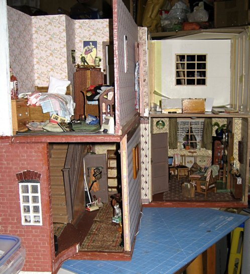 theinfill art deco dolls house blog, theinfill dolls house blog, theinfill 1930s-50s Deco House, Hogepotche Hall –Hodgepodge Hall - Medieval Tudor Jacobean dolls house blog - small front bedroom for a 1950s teenage girl