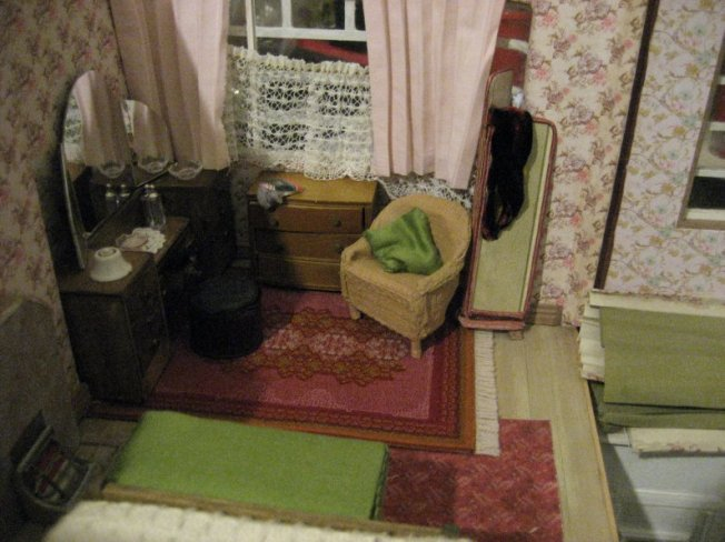 theinfill art deco dolls house blog, theinfill dolls house blog, theinfill 1930s-50s Deco House, Hogepotche Hall –Hodgepodge Hall - Medieval Tudor Jacobean dolls house blog - main front bedroom