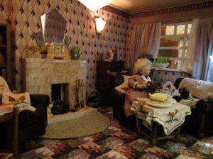theinfill art deco dolls house blog, theinfill dolls house blog, theinfill 1930s-50s Deco House, Hogepotche Hall –Hodgepodge Hall - Medieval Tudor Jacobean dolls house blog - Late 1950s sitting room - completed