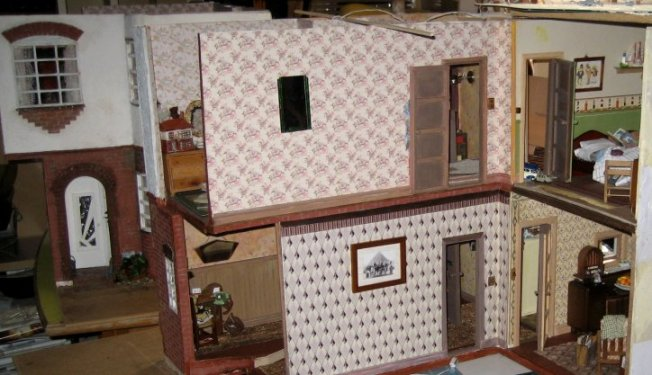 theinfill art deco dolls house blog, theinfill dolls house blog, theinfill 1930s-50s Deco House, Hogepotche Hall –Hodgepodge Hall - Medieval Tudor Jacobean dolls house blog - Late 1950s setting of a 1930s built house