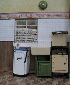 theinfill art deco dolls house blog, theinfill dolls house blog, theinfill 1930s-50s Deco House, Hogepotche Hall –Hodgepodge Hall - Medieval Tudor Jacobean dolls house blog - bathroom/kitchen cupboard
