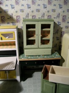 theinfill art deco dolls house blog, theinfill dolls house blog, theinfill 1930s-50s Deco House, Hogepotche Hall –Hodgepodge Hall - Medieval Tudor Jacobean dolls house blog - bathroom/kitchen cupboard