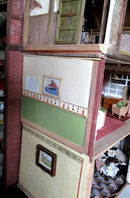 theinfill art deco dolls house blog, theinfill dolls house blog, theinfill 1930s-50s Deco House, Hogepotche Hall –Hodgepodge Hall - Medieval Tudor Jacobean dolls house blog - where next door should be