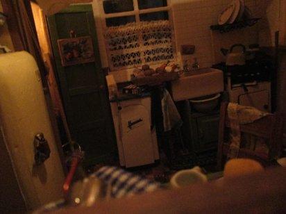theinfill art deco dolls house blog, theinfill dolls house blog, theinfill 1930s-50s Deco House, Hogepotche Hall –Hodgepodge Hall - Medieval Tudor Jacobean dolls house blog - lighting checks