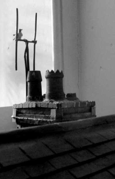 theinfill dolls house blog, theinfill dolls house blog, theinfill 1930s-50s Deco House, Hogepotche Hall –Hodgepodge Hall - Medieval Tudor Jacobean dolls house blog - brickwork chimneys and TV aerial