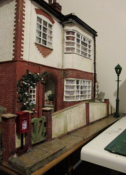 theinfill dolls house blog, theinfill dolls house blog, theinfill 1930s-50s Deco House, Hogepotche Hall –Hodgepodge Hall - Medieval Tudor Jacobean dolls house blog - GR letter box