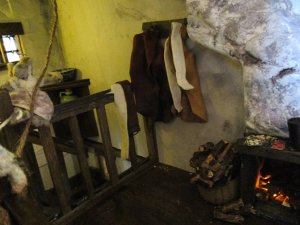 theinfill blog – Clemcold Cottage scratch build eighteenth century scenes - eighteenth century visiting wig and clothes