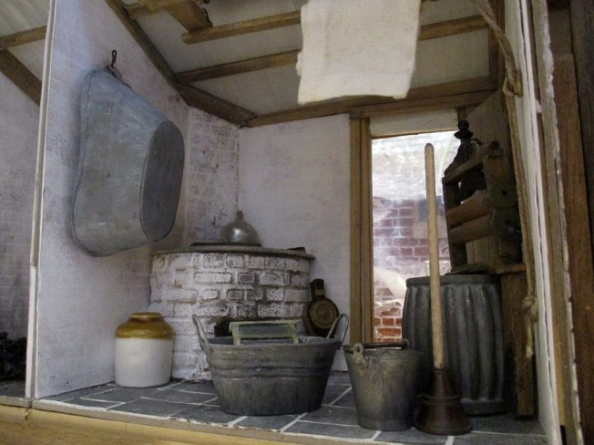theinfill blog, theinfill dolls house blog – scratch build Victorian and Edwardian scenes, Victoria Villas - outhouses